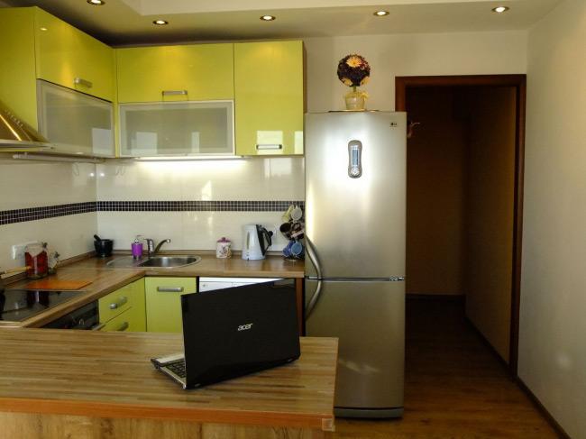 Дизайн кухни 3 кв метров с холодильником